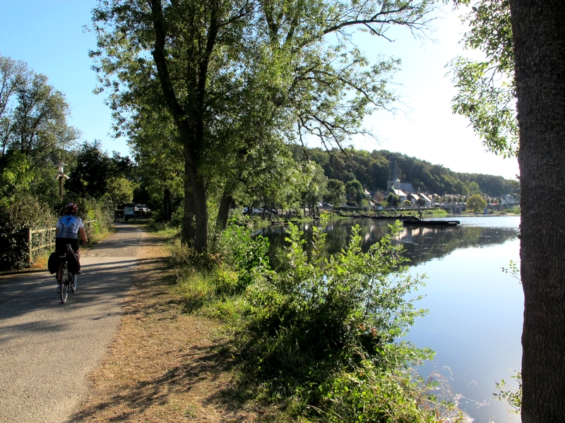 loire valley bike tours self guided